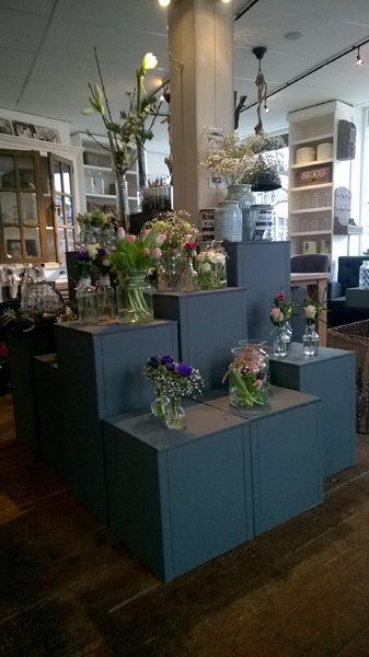 Zuilen in bloemenwinkel (1)